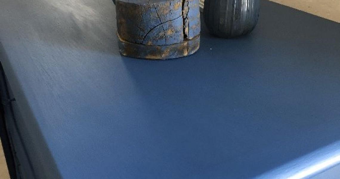 Silk All-in-one Mineral Maling Cape Current på Gammel Skænk