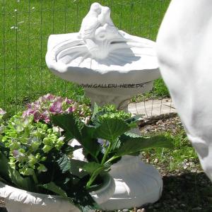 Fuglebad i marmor med to duer Ø: 45 cm